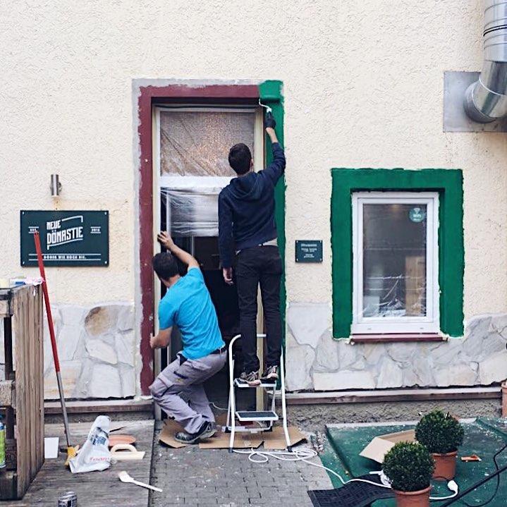 tuebingen_storefront_makingof_neuedoenastie